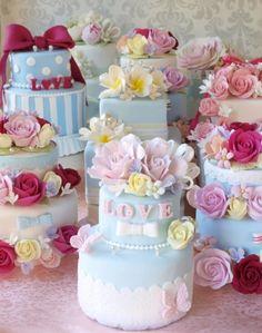 ピンクと水色のラブリーなケーキたち 全てクレイで作っています ケーキ型のリングピロー♪ Clay Art Wedding http://clayartwedding.net/