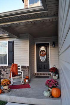 Fall Front Porch - Little Glass Jar Autumn Scenery, Porch Decorating, Glass Jars, Front Porch, Farmhouse, Fall Decorations, Outdoor Decor, Autumn Porches, Porch Ideas