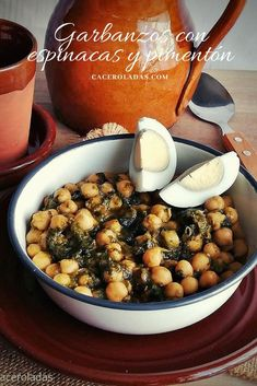 Chickpeas with spinach and paprika - Easy and quick recipe - from with and paprika easy and quick to prepare. A tasty dish and - Quick Recipes, Sweet Recipes, Vegetarian Recipes, Healthy Recipes, Time To Eat, Health Breakfast, Going Vegan, Tasty Dishes, Food And Drink