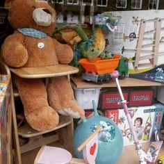 #Peluches buscando dueño en una juguetería #softtoys #teddybear #pelucheando