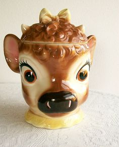 """Vintage Cookie Jar Metlox """"Elsie the Cow"""" California Pottery I have this one. there is a sound maker inside the lid that makes a moo sound when you take the lid off! Vintage Pottery, Vintage Ceramic, Jar Jar, Elsie The Cow, Tumblers, Antique Cookie Jars, Vintage Cookies, Biscuit Cookies, Cute Cookies"""