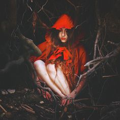 Brooke Shaden, Little red riding hood Red Ridding Hood, Tim Walker, Foto Art, Red Hood, Poses, Little Red, Fairy Tales, Cool Hairstyles, Inspiration