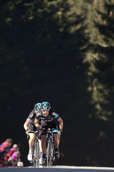 Richie Porte (front) sprints to win, ahead of Great Britain's Geraint Thomas…