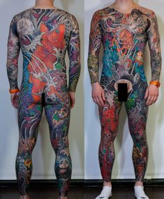 Look Mom, that man has a HOLE in his tattoo! Full Back Tattoos, Full Body Tattoo, Body Art Tattoos, Tatoos, Tattoo Japanese Style, Japanese Sleeve Tattoos, Picture Tattoos, Tattoo Photos, Koi