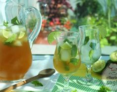 Mojito Iced Tea by Out To Lunch Creations - stevia sweetened, mint tea, limes Dessert Drinks, Fun Drinks, Healthy Drinks, Beverages, Primal Recipes, Sugar Free Recipes, Healthy Recipes, Summertime Drinks, Summer Drinks