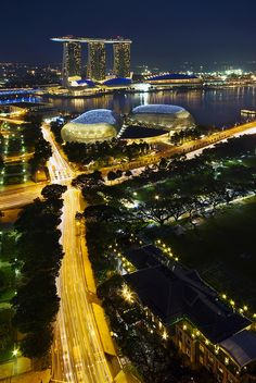 "Destination ""Singapore"" Hotel Marina Sands Bay by Night"