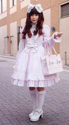Shiro Lolita Model in white