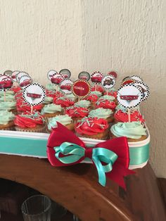 Mini cupcakes vainilla toppers Cars