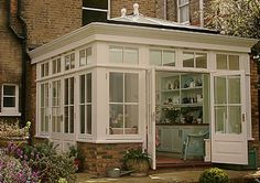 Awesome Roof Lantern Extension Ideas - The Urban Interior Garden Room Extensions, House Extensions, Style At Home, Orangery Conservatory, Conservatory Extension, Orangery Extension Kitchen, Orangery Roof, Conservatory Dining Room, Victorian Conservatory