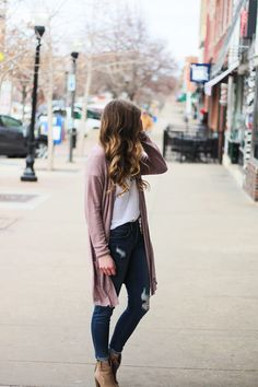 Trendy Fall Fashion Outfits : The cutest purple/pink cardigan for spring paired with my Oh Darling Let's E. - Women W Cardigan Outfits, Casual Outfits, Pink Cardigan, Cute Outfits, Work Outfits, Fashion Outfits, Fashion Tips, Fall Winter Outfits, Autumn Winter Fashion