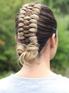 Gorgeous 3 Strand Braids You Must Create Right Now: Enjoy your hair looks by wearing the stunning looks of three strand braids nowadays. Here we'll talk about the best styles of braids and wedding hairstyles that are really perfect for ladies … French Braid Hairstyles, Box Braids Hairstyles, Hairstyles Haircuts, Teenage Hairstyles, Hairstyles Videos, Cool Braids, Braids For Long Hair, Unique Braids, Natural Hair Styles