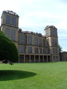 vwcampervan-aldridge:  Hardwick Hall, built in 1590 by Bess of Hardwick the richest woman in England after Queen Elizabeth. It was used as the scene for Malfoy Manor in the Harry Potter films. Derbyshire, England  Must go here!