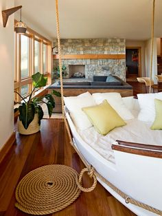 hanging boat bed Sectional Bed Design, Pictures, Remodel, Decor and Ideas - page 4 Lake House Family Room, Home And Family, Home Interior, Modern Interior Design, Interior Photo, Hanging Beds, Hanging Chairs, Diy Hanging, Family Room Design