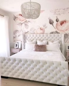 Small Room Bedroom, Bedroom Decor, Bedroom Ideas, Small Rooms, Pink Master Bedroom, Bedding Decor, Teen Bedroom, Bedding Sets, French Country Bedrooms