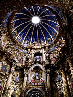 Cúpula interior de la iglesia de San Francisco - Quito.