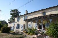 Bernisson, Monsegur, France. Single Property sleeps 15. The Hen House - fabulous hen party accommodation. http://www.henpartyvenues.co.uk/cottage/faq3131/Monsegur/Bernisson/