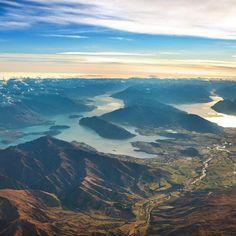 Lake Hawea & Lake Wanaka from the skies. #2For1Deal  Pic: @momentaddictphotography #hakatours _________________________________  #wanaka #nz #travel #newzealand #kiwi #instatravel #travelgram #winter #snow #northisland #southisland #aotearoa #scenery #sceneryporn #beautiful #cold #ourplanetdaily #neverstopexploring #lonelyplanet #splendid_earth #tourtheplanet #beautifuldestinations #igbest_shotz #naturelovers #roamtheplanet #worldshotz #wanderlust #openmyworld