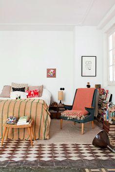 Inspiration déco : tapis ethniques   L'appartement de Luis Úrculo à Madrid