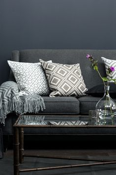 Living Room Interior - H&M Home Collection Living Room Grey, Home Living Room, Living Room Decor, Living Spaces, Living Room Inspiration, Home Decor Inspiration, H&m Deco, Hm Home, Piece A Vivre