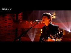 ▶ Jake Bugg - A Song About Love (Live Graham Norton Show) - YouTube