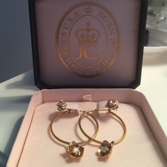 Juicy Couture Flower Hoop & heart stud earring set New in Box : Juicy Couture gold flower hoops and gold juicy heart stud with signature crown back. Perfect together or separate! Retails at $78. Let me know if you have any questions☺️ Juicy Couture Jewelry Earrings