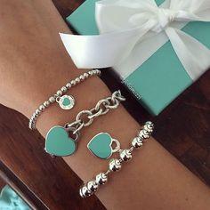 Tiffany & Co. Azul Tiffany, Tiffany Blue, Tiffany And Co Jewelry, Tiffany Bracelets, Pandora Charms Rose Gold, Turquoise Jewelry, Silver Jewelry, Jewelry Accessories, Jewelry Design