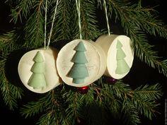 Купить БелоСнежное мыло с елками - натуральное мыло на елку с бубенчиком - зеленый, елка, кль