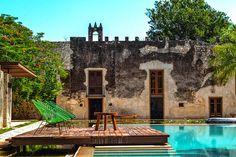 Hacienda Tamchen, Yucatan. A 50 minutos de Mérida, este complejo exclusivo cuenta con cuatro suites, el estilo de la hacienda es moderno conservando la arquitectura antigua, envuélvete en un estado de lujo y comodidad.