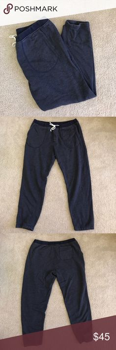 J.Crew Men's Fleece Sweatpants Very comfortable fleece sweatpants from J.Crew. Great quality sweatpants. They're men's section but honestly they're pretty much unisex. My sister even has a pair of these. They're so comfy. Size medium. Like new condition. J. Crew Pants Sweatpants & Joggers