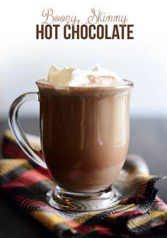 Boozy Skinny Hot Chocolate #chocolate #drink #recipe #drinkrecipe