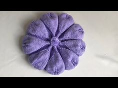 Leaf Sefere Beret Model Description– This Beret is for Children from 4 to 10 years old. But I give the number of stitches in Baby and Adult Ladies. Crochet Turban, Crochet Kids Hats, Crochet Baby, Knitted Hats, Easy Crochet Patterns, Baby Knitting Patterns, Lace Knitting, Crocheted Jellyfish, Front Post Double Crochet