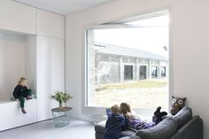 Studio MAKS builds cuboidal concrete house filled with space-saving solutions Dutch House, Compact House, Living Room Pillows, Living Rooms, Concrete Houses, Minimal Home, Ground Floor Plan, Tiny Spaces, Japanese House