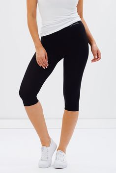 CROP LEGGINGS - 80% organic bamboo*, 13% nylon, 7 % spandex