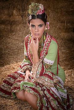 We would like to invite you to Spain – a country with a great and rich historical heritage. Folk Fashion, Ethnic Fashion, High Fashion, Spanish Fashion, Spanish Style, Flamenco Costume, Flamenco Dresses, Fair Lady, Dance Pictures