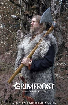 Grimfrost - Genja the Berserker's Axe, Linnormr Edition Viking Battle, Viking Armor, Battle Axe, Thor, Nordic Vikings, Viking Culture, Ancient Vikings, Norse Symbols, Norse Mythology