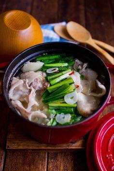 もつ鍋みたいな美味しいスープ。 キャベツとともに蒸し煮にした豚バラから美味しい脂が落ちてキャベツは甘く旨味も強い主役級のスープです。 ※おかずスープで【低糖質なごちそうスープダイエット】詳しくは「オトナモコドモモ楽シクゴハン」ブログでご紹介しています❤︎ Pork Recipes, Asian Recipes, Low Carb Recipes, Cooking Recipes, Healthy Recipes, Ethnic Recipes, Japenese Food, Food Plating Techniques, Japanese Dishes