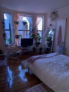 """""""my room during sunset at PM, then PM 🏮🧩"""" Dream Rooms, Dream Bedroom, Home Bedroom, Bedroom Decor, Bedrooms, Bedroom Inspo, Bedroom Ideas, Bed Ideas, Bedroom Colors"""