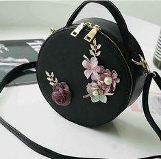 Fashion Handbags, Purses And Handbags, Fashion Bags, Cute Handbags, Fashion Ideas, Large Bags, Small Bags, Sacs Design, Cute Bags