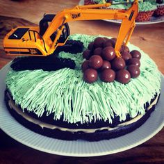 Digger jcb boys birthday cake
