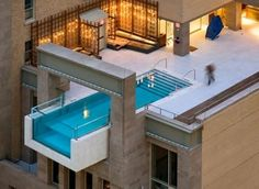 Hotel Joule in Texas offers the a stunning cantilevered rooftop pool which is built with glass end wall
