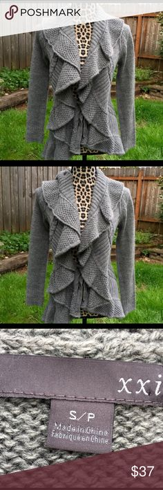 Cozy Stylish Sweater! Cozy Stylish Sweater!  (Bundle 3 items and Save with my Discount!) Forever 21 Sweaters Cardigans