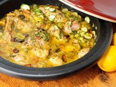 Receta | Tajin de pollo con limón confitado y aceitunas verdes - canalcocina.es