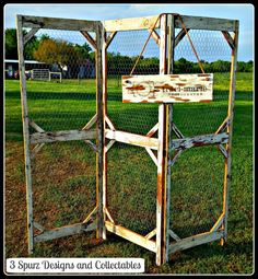 Made to order 3 panel standing screen made from old barn wood with chicken wire backing for traci-marie Photography. Used to display photos at events, and we even made the custom sign with logo to match the old wood.  Follow us for more wonderful pins at https://www.pinterest.com/3spurzdandc/  www.facebook.com/... http://www.3spurzdesignsandcollectables.com/