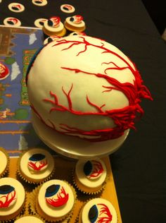 Eye of Cthulu cake Terraria