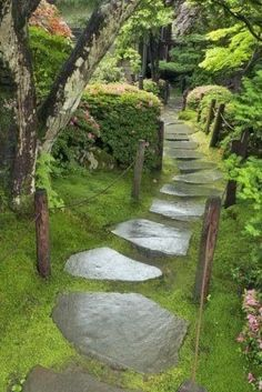 Garden Stone Pathway Ideas-45-1 Kindesign
