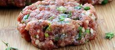 Atkins welcomes you to try our delicious Beef Burger with Feta and Tomato recipe for a low carb lifestyle. Get started by browsing our full list of ingredients here. Low Carb Recipes, Beef Recipes, Cooking Recipes, Dairy Recipes, Hamburger Recipes, Protein Recipes, Barbecue Recipes, Clean Recipes, Cooking Tips