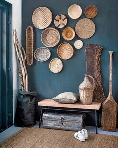 5 amazing entrance decor ideas for your living spaces - Home Decoration Teal Walls, Room Decor, Entrance Decor, Decor, Interior Design, House Interior, Basket Wall Decor, Interior, Home Decor