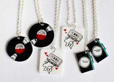 For Paper Crane - ♬♪ Music Pendants.L♥VE these tiny records, tapes cameras! You could use shrinky plastic cups - # Shrink Paper, Shrink Plastic Jewelry, Shrink Art, Plastic Earrings, Paper Earrings, Shrinky Dinks, Jewelry Crafts, Handmade Jewelry, Bijoux Diy
