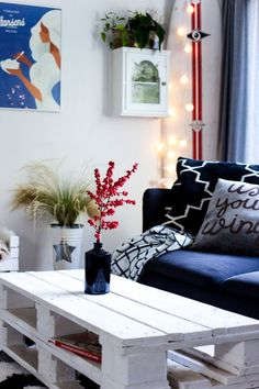 einrichtugsideen wohnzimmer moderne wandgestaltung rote wand ...