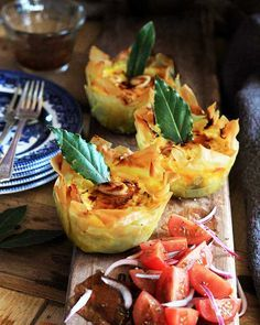 Low Unwanted Fat Cooking For Weightloss That South African Classic, Bobotie, In New Guise As Mini Phylo-Bobotie Pies. Another Melkkos And Merlot Recipe. South African Dishes, South African Recipes, Ethnic Recipes, Kos, Meat Recipes, Cooking Recipes, Curry Recipes, Recipies, Ma Baker